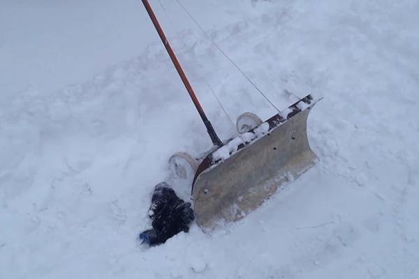 Стоимость работ по уборке снега с крыши